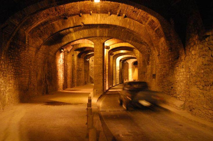 TÚNELES, GUANAJUATO, MÉXICO...fascinante historia cívica que en realidad redirige el río Guanajuato resultando en túneles debajo de la ciudad