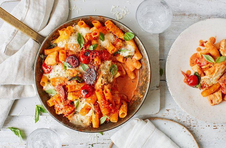 Pasta - Creamy chicken, tomato and chorizo pasta bake - quick and easy
