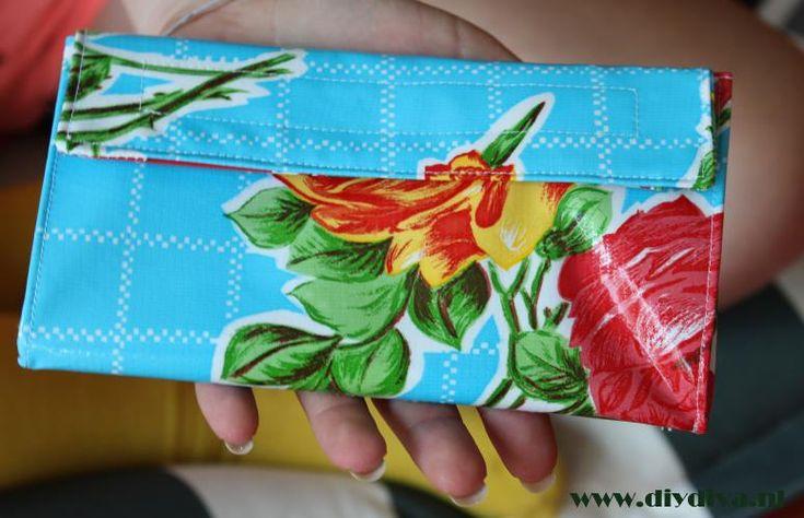 Ervaringen van de DIY Diva met het maken van een portemonnee van tafelzeil van Kitsch Kitchen. www.diydiva.nl