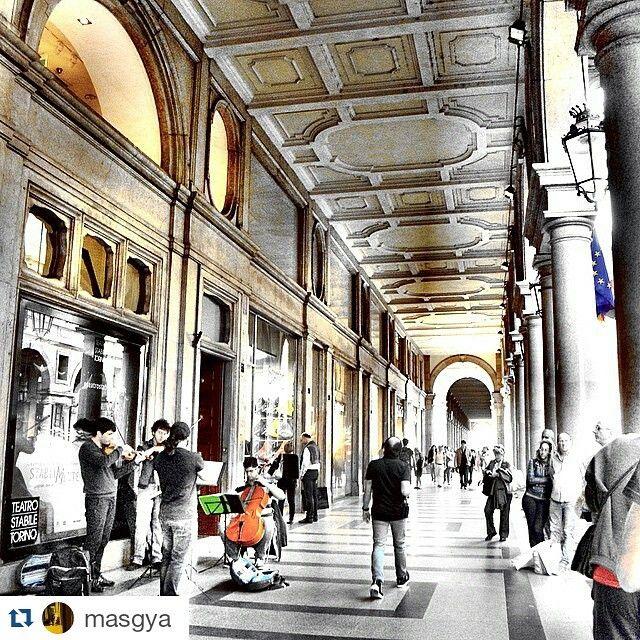 cittaditorino#Torino raccontata da masgya Passeggiando per via Roma, Torino e i suoi abitanti.