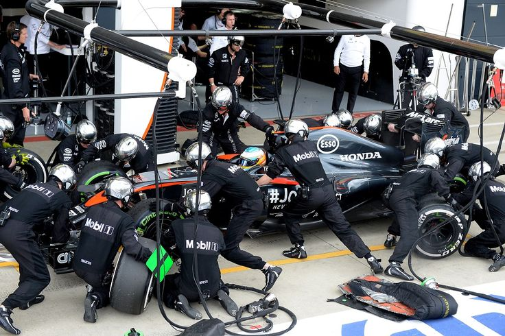 Lewis Hamilton vence o grande Prêmio da Inglaterra de Fórmula 1 2015