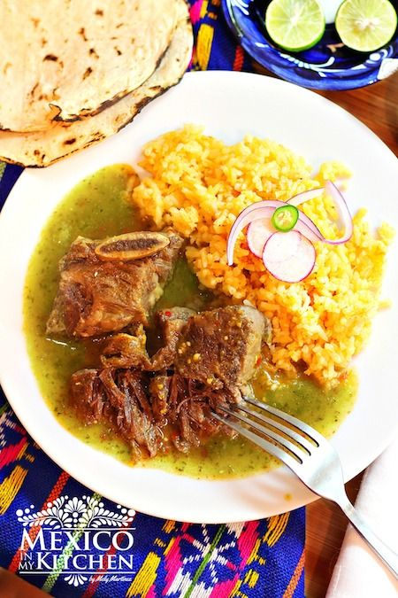 Braised Short Ribs in Tomatillo Sauce / Receta de Costillas de Res en Salsa…