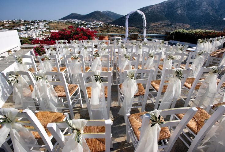 Just before the ceremony . In Petali Village hotel in Sifnos #weddingdecorations #weddingphotography #sifnoswedding