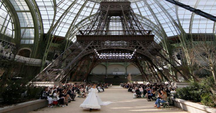 París tiene hoy DOS torres Eiffel: este es el motivo