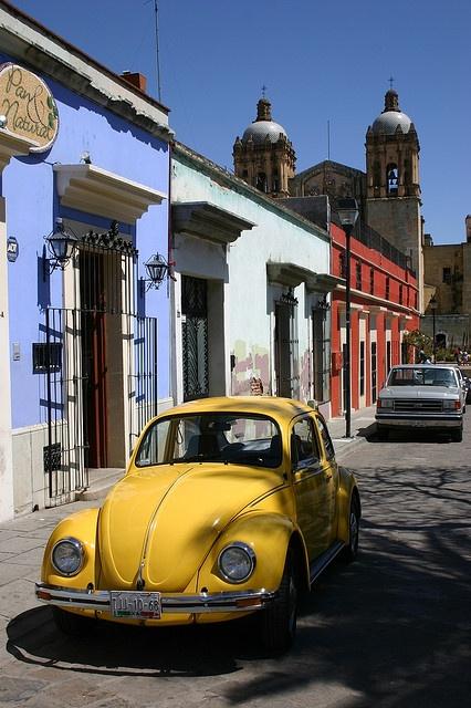 En tiempos pasados se decían el ombligo de Mexico pq todo mundo tiene uno :)