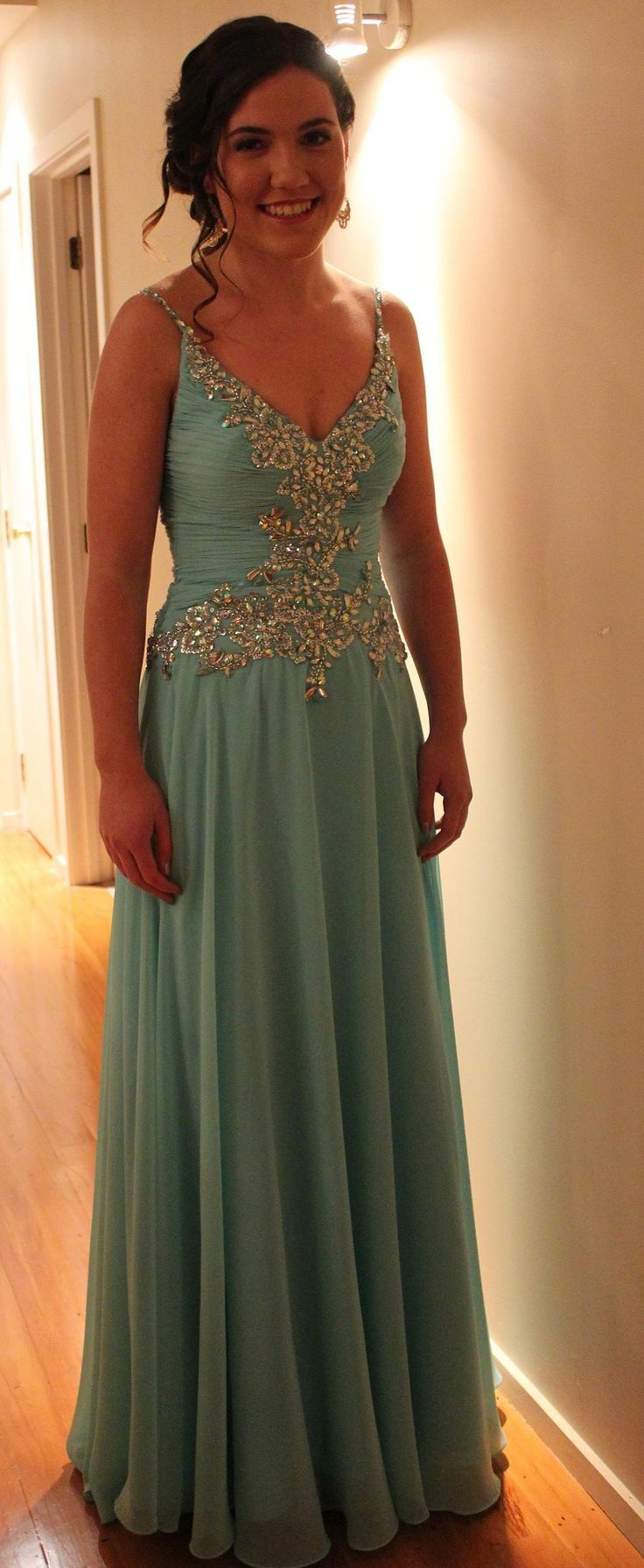 Molly looking so pretty and off to the Albany Senior Ball 2015. Thank you for choosing a Dave and Johnny gown from Bridal and Ball NZ