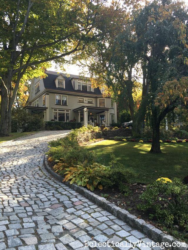 Best 25 Cobblestone Driveway Ideas On Pinterest Driveways