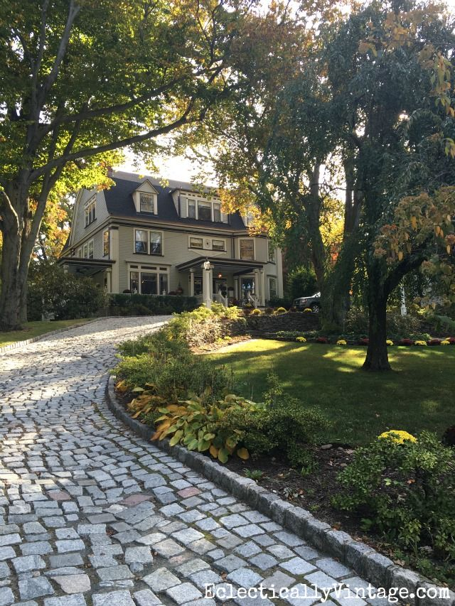 Fall Curb Appeal - 18 stunning homes with ideas to copy! Love the cobblestone driveway eclecticallyvintage.com