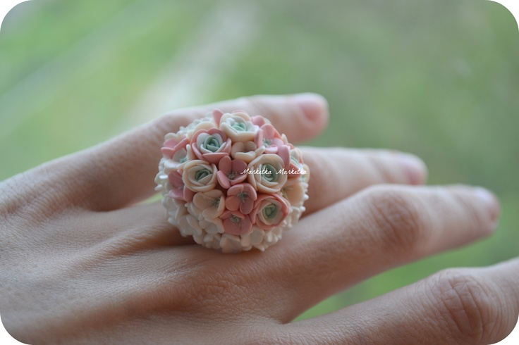 tothefashion.blogspot.com  Bloom ring