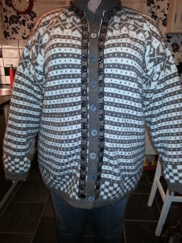 Pattern: Fanakofte, Fana cardigan  Yarn: Drops Alpakka