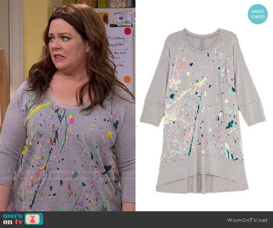 Molly's paint splatter print top on Mike and Molly.  Outfit Details: https://wornontv.net/57478/ #MikeAndMolly