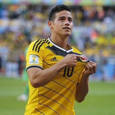 James Rodriguez pointing to the Colombian soccer (fútbol) federation!