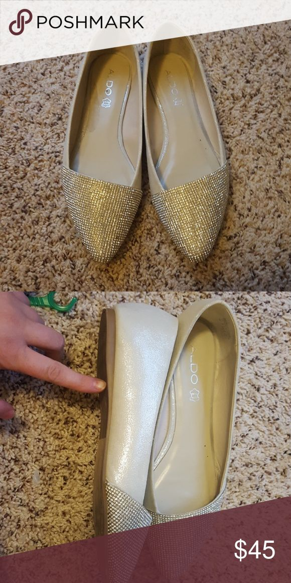 Dress sparkly shoes A neutral color sparkly shoe with silver top that's very sparkly Aldo Shoes Flats & Loafers