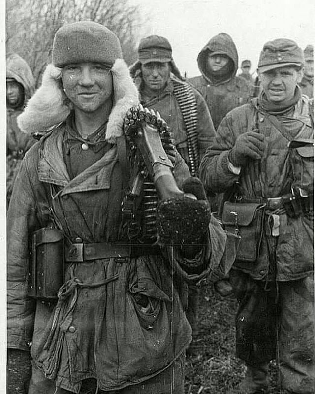 """238 Likes, 5 Comments - @german_forces_33 on Instagram: """"Großdeutschland division personnel on the Eastern front.  Date unknown.  #wehrmacht #luftwaffe…"""""""