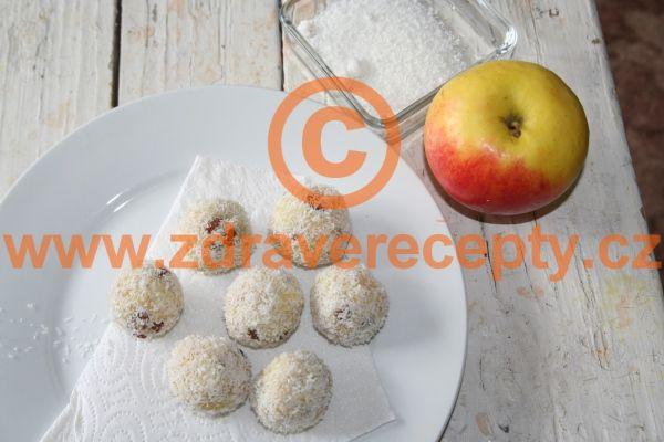 Jáhlové jablečné koule