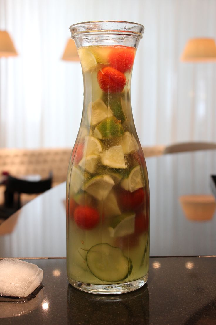 ... Tomaten-Basilikum Limonade - home-made cucumber-tomato-basil-lemonade