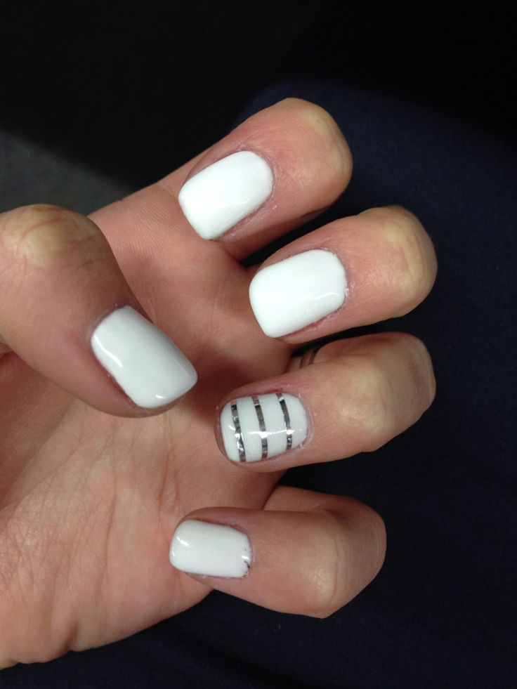 White Spring nails