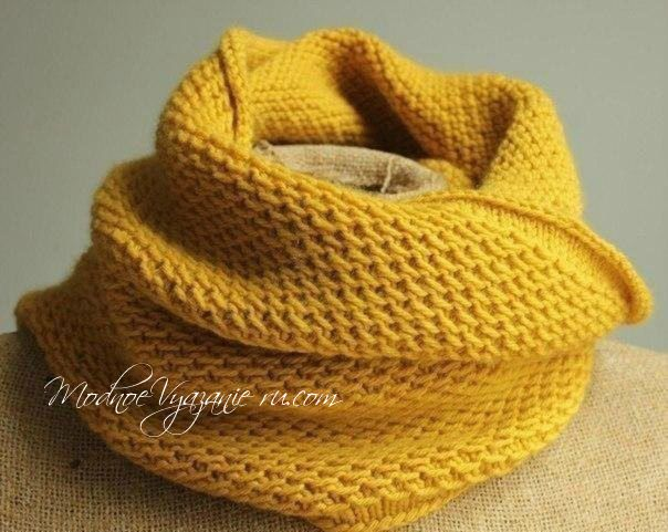 Снуд спицами оригинальным простым узором -  Модное вязание