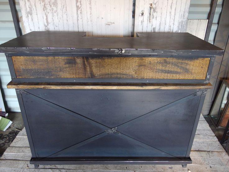 1000 id es sur le th me meubles en acier sur pinterest for Meuble tv ware