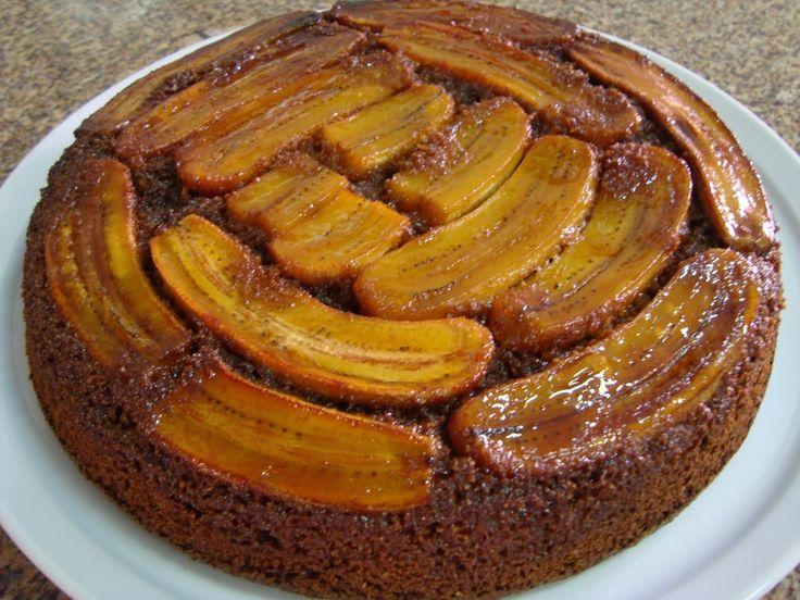 Receitas Integrais Fáceis, bolo de banana com calda caramelizada.