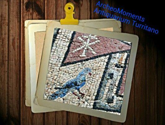 Oltre 25 fantastiche idee su tessere di mosaico su for Piastrelle bagno ondulate