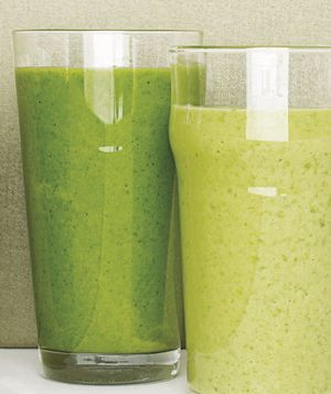 Apple, avocado and spinach smoothie
