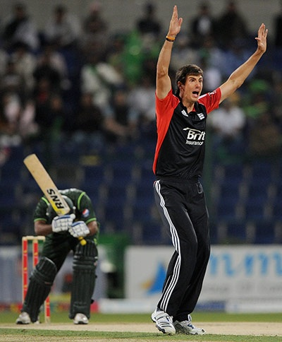 Two wickets in two balls for Steven Finn! Look at his haircut Lol