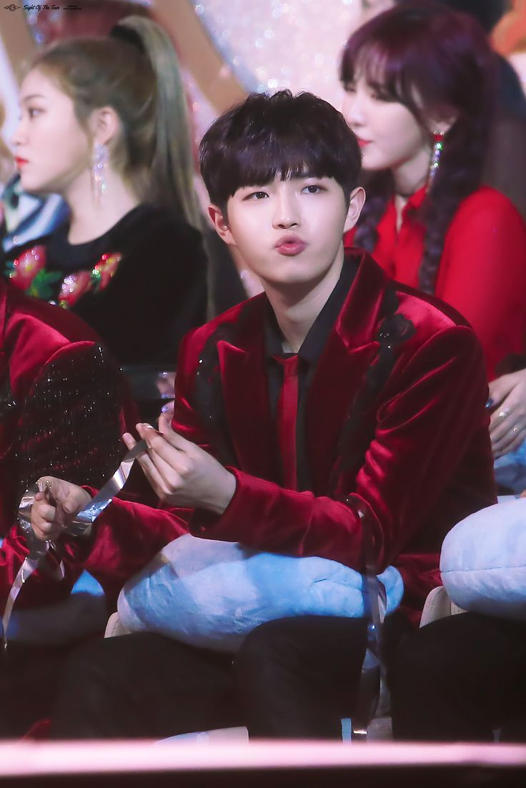 180110 Wanna One at Golden Disk Awards #Jaehwan