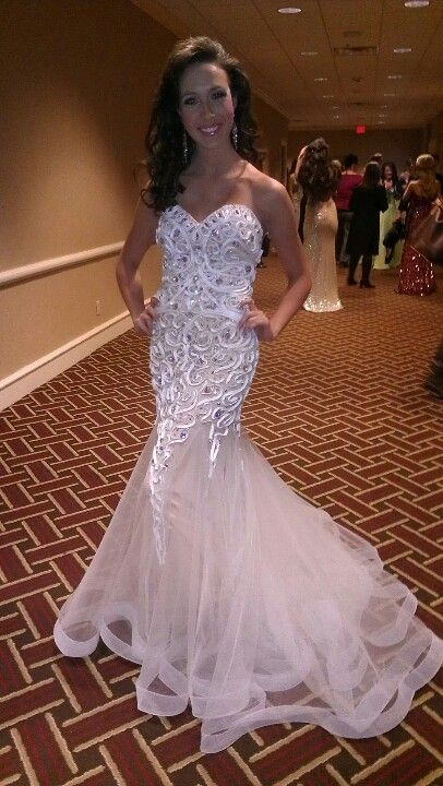 gorgeous girl fabulous dress and perfect pageant hair