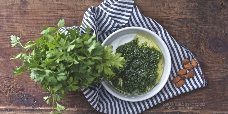 40 gram: Maydanozlu ve Bademli Pesto