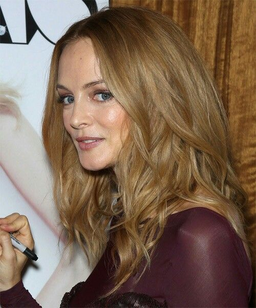 Heather Graham - 2020 Regular blond hair & exotic hair style.