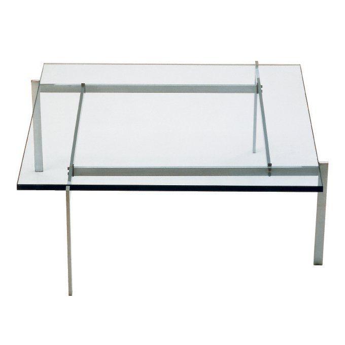 PK61™ soffbord från 1956 visar tydligt Poul Kjærholm's utveckling från industridesigner till möbelarkitekt. Basens fyra delar är hopsatt av maskinskruvar och ger soffbordet ett unikt utseende. Den avtagbara bordsskivan är också ett exempel på Kjærholm's princip att gärna använda gravitationen för att hålla delarna på plats. Skivan finns att få i skiffer, marmor, granit och glas. Basen är gjord i mattborstat, rostfritt stål.