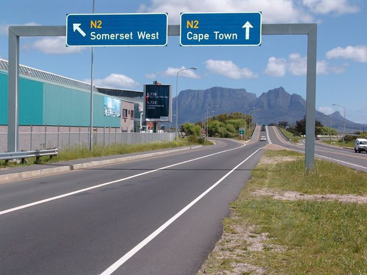 leaving Cape Town Airport, travelling towards Cape Town or Somerset West....