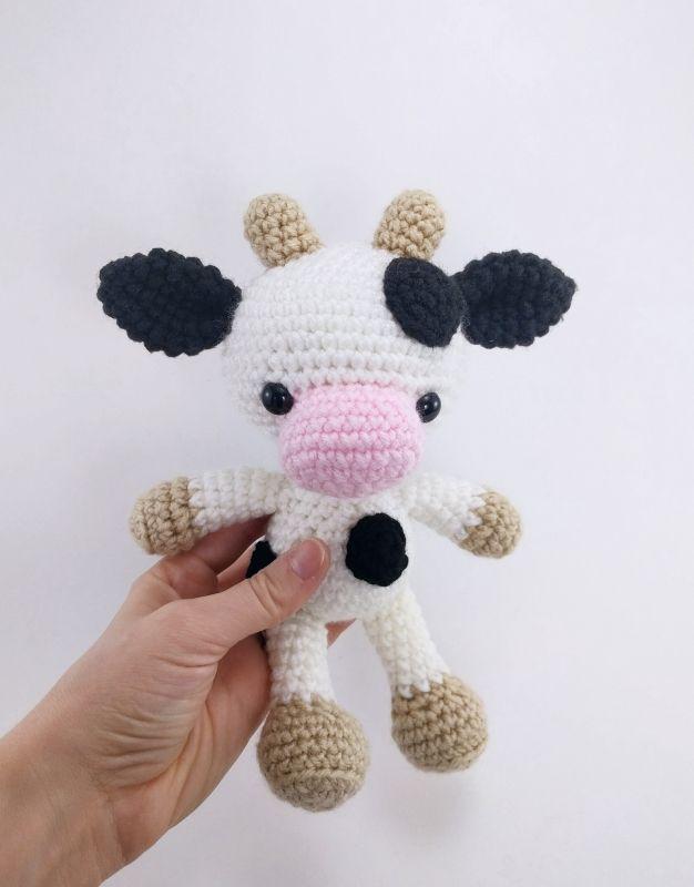 Chloe the Cow amigurumi pattern by Theresas Crochet Shop
