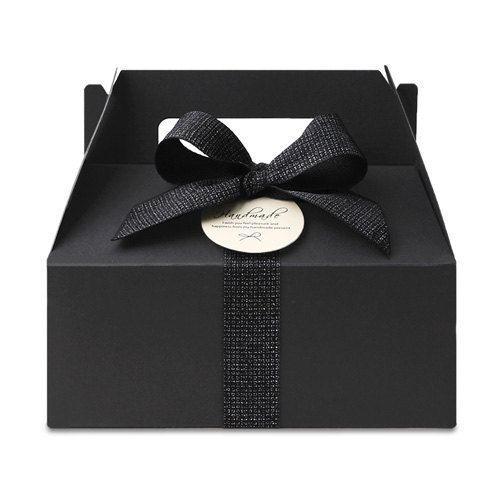 Boxes can be minimalized and modern too. Very cute black color box. Great gift idea and favor box idea. 5 black gable boxes, wedding favor, baby shower favor, large gable box, black color boxes, gable favor boxes by CookieboxStore on Etsy
