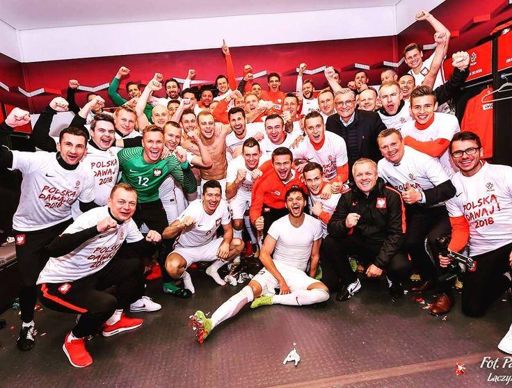 """Polubienia: 30.3 tys., komentarze: 248 – Łukasz Piszczek Official (@lukaszpiszczek_lp26) na Instagramie: """"Tak jest! Awans na Mundial jest nasz!  #roadtorussia #russia2018 #worldcup2018 #poland #polska"""""""