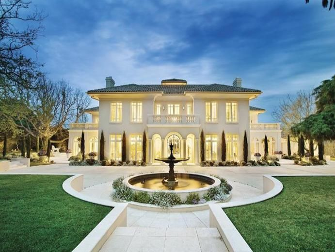 Need a historical #CustomHome design like this? Just get in touch with #MelbourneBuilders and get it build with ease.