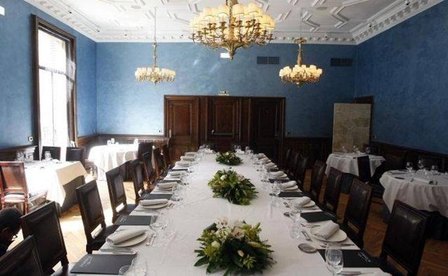 Recien abierto en Marzo del 2012 con un menu de 18 € entre semana muy asequible para la calidad que da. Del Grupo Cachirulo