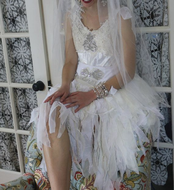 Flapper Wedding Dress . 1920s style wedding dress. Gatsby