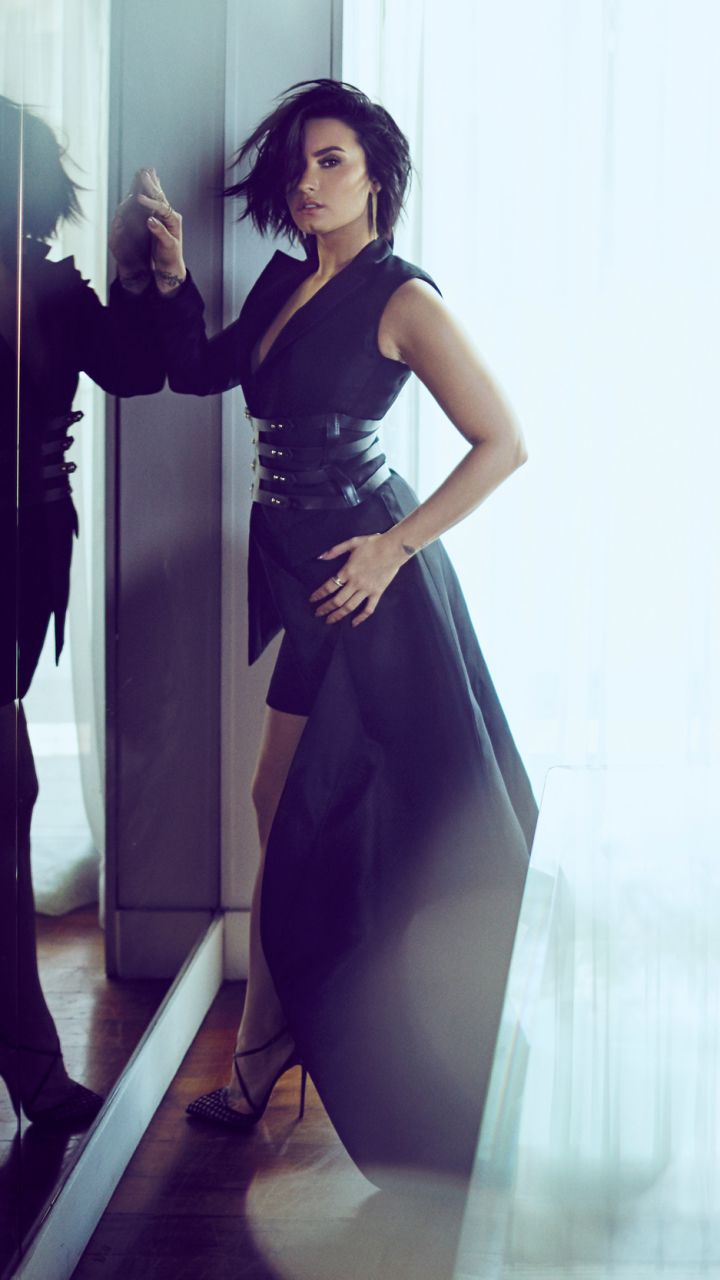 Demi Lovato Wallpaper Free In 2020 Demi Lovato Style Demi Lovato Style Outfits Demi Lovato