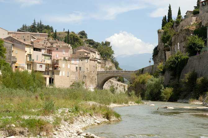 Vaison-la-Romaine-Fotolia_9 - Provence