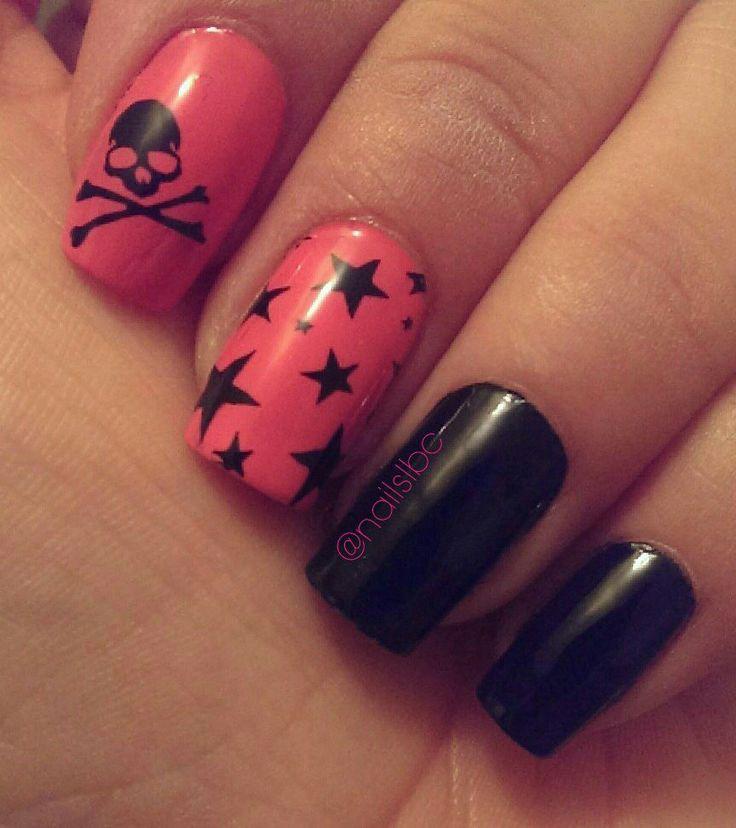 Rocker nail design