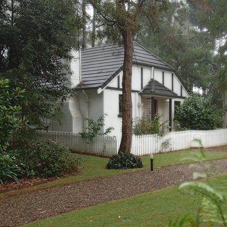 Baden Cottage - Lisson Grove Tamborine Mountain Accommodation...http://www.lissongrove.com.au