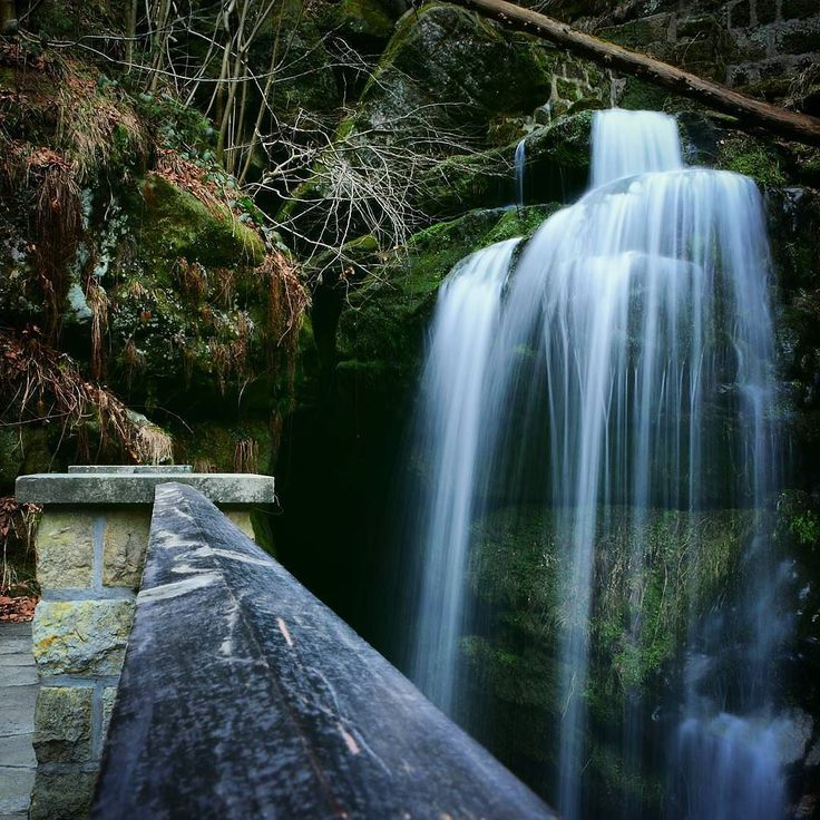 Amselfall in der Sächsischen Schweiz  exposure 4 sec no tripod Credits @hamburg_photos #s8 #samsung #may #clouds #snapshot #nature #trump #filter #underexposed #hamburg #2k17 #camera #weekend #picoftheday #instagood #wideanglelens #instagram #ruleofthirds #saturday #detail #longexposure #waterfall #nikon #dslr #manualmode #notripod #epic #lfl #nikonartists #nikonphotography