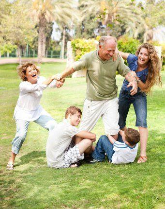 Главный смысл и цель семейной жизни — воспитание детей. Главная школа воспитания детей — это взаимоотношения мужа и жены, отца и матери.