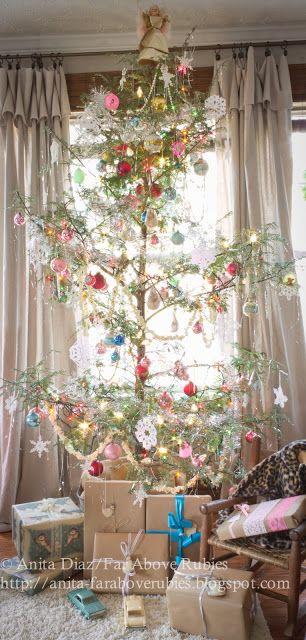 Far Above Rubies: A very vintage Christmas...