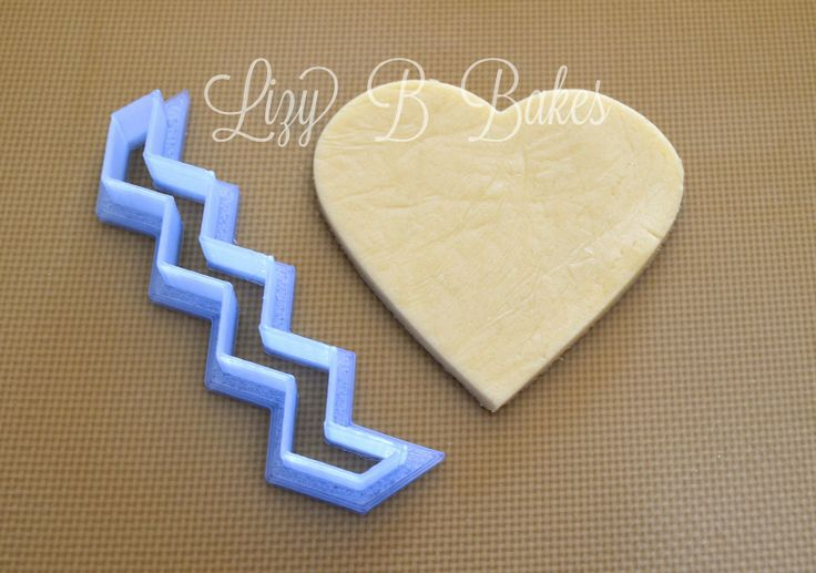 Lizy B: Chevron Cookie Heart Tutorial!