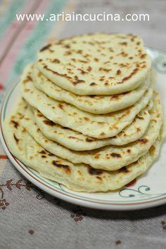 Blog di cucina di Aria: Focaccine veloci con philadelphia torta salata pane