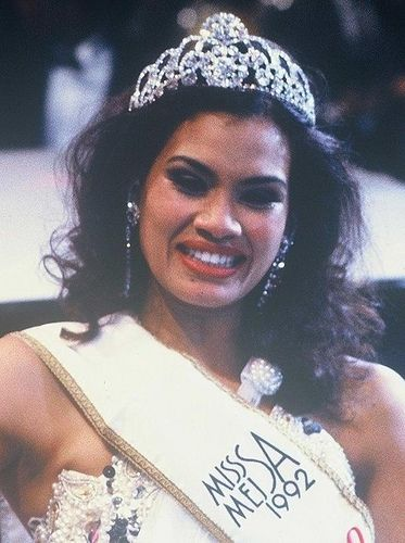 Miss SA - 1992 - Amy Kleinhans and under top 5 at Miss World