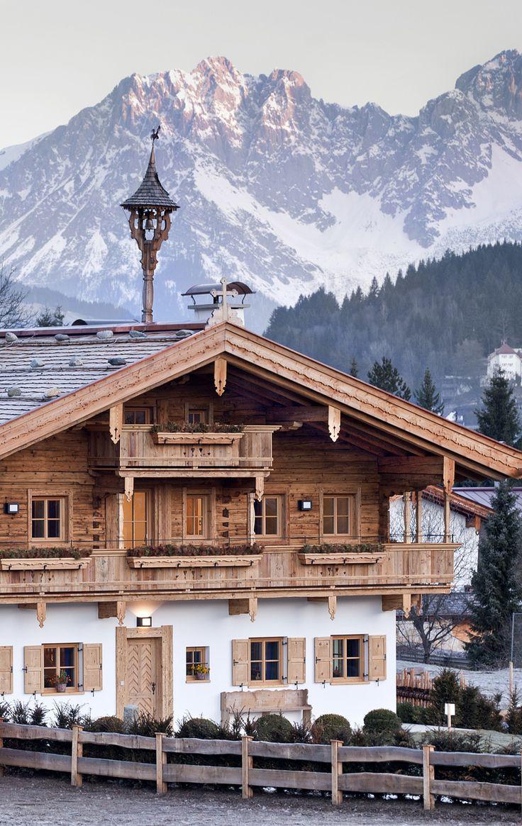 Intelligente Gebäudetechnik von Gira bringt das revitalisierte Bauernhaus Angerpoid in Kitzbühel auf den heutigen Stand.